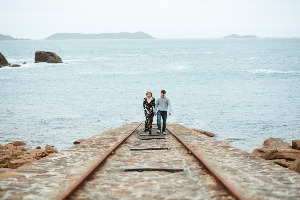 couple-bretagne-mer
