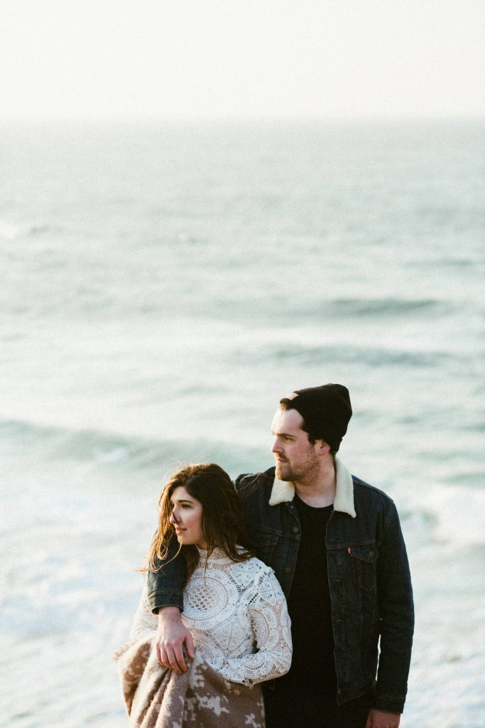 couple-elopement-beach