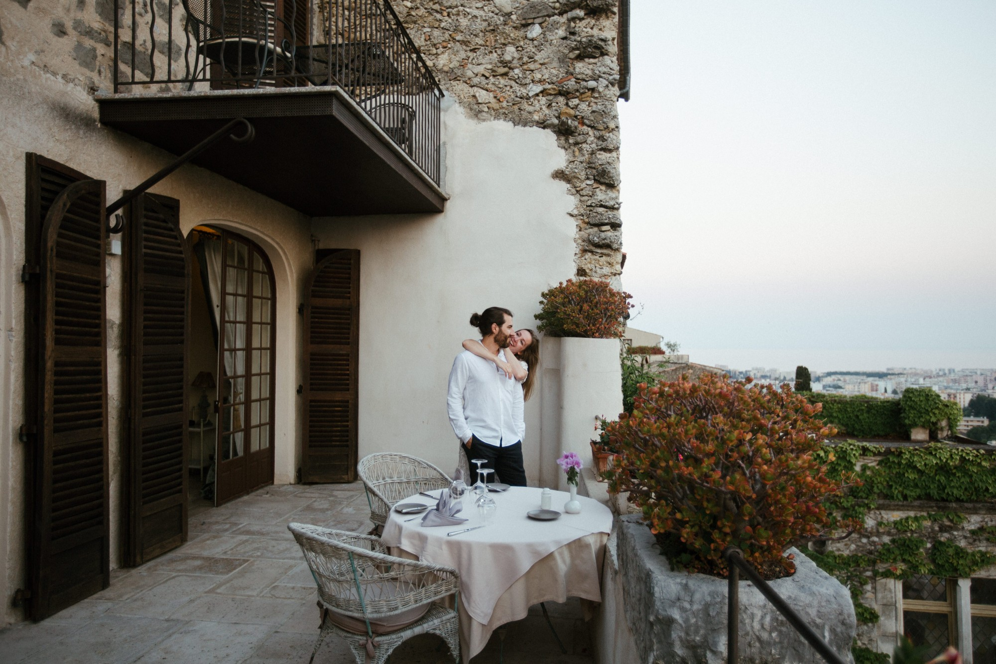 couple-hotel-chateau-le-cagnard