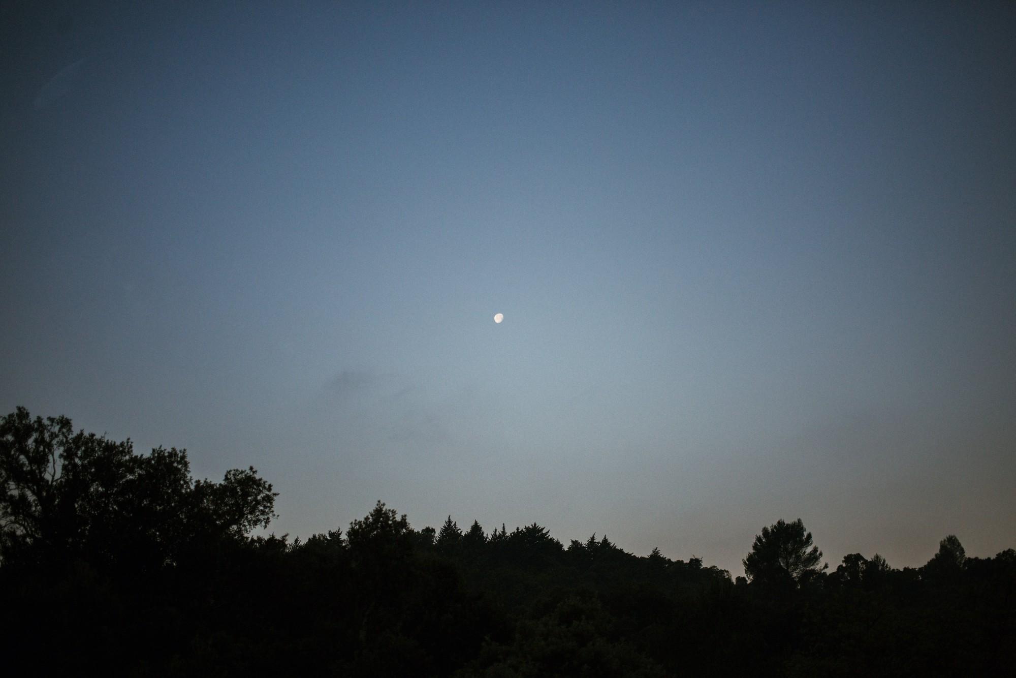 moon-france