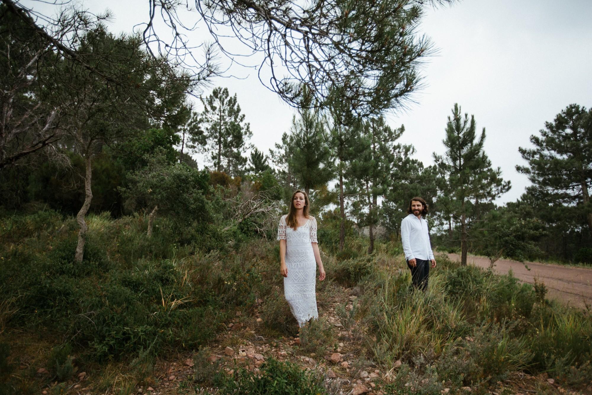 bride-groom-nature