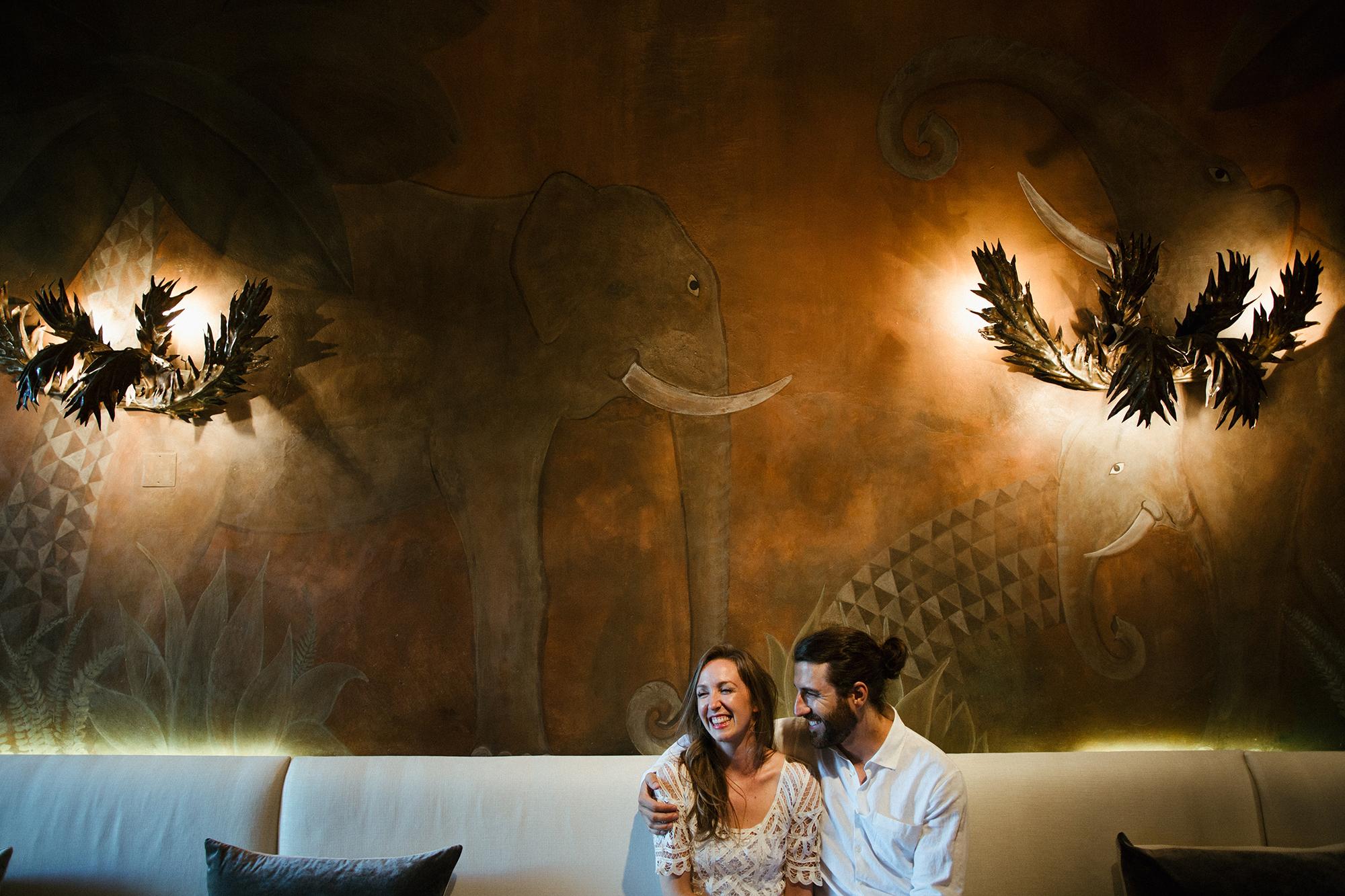 couple-elephant-decor